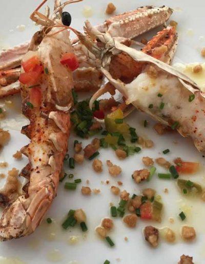 Langoustines Rôties aux Piments d'Espelette, Nougatine Ail Doux | Restaurant l'Oriel à Arles